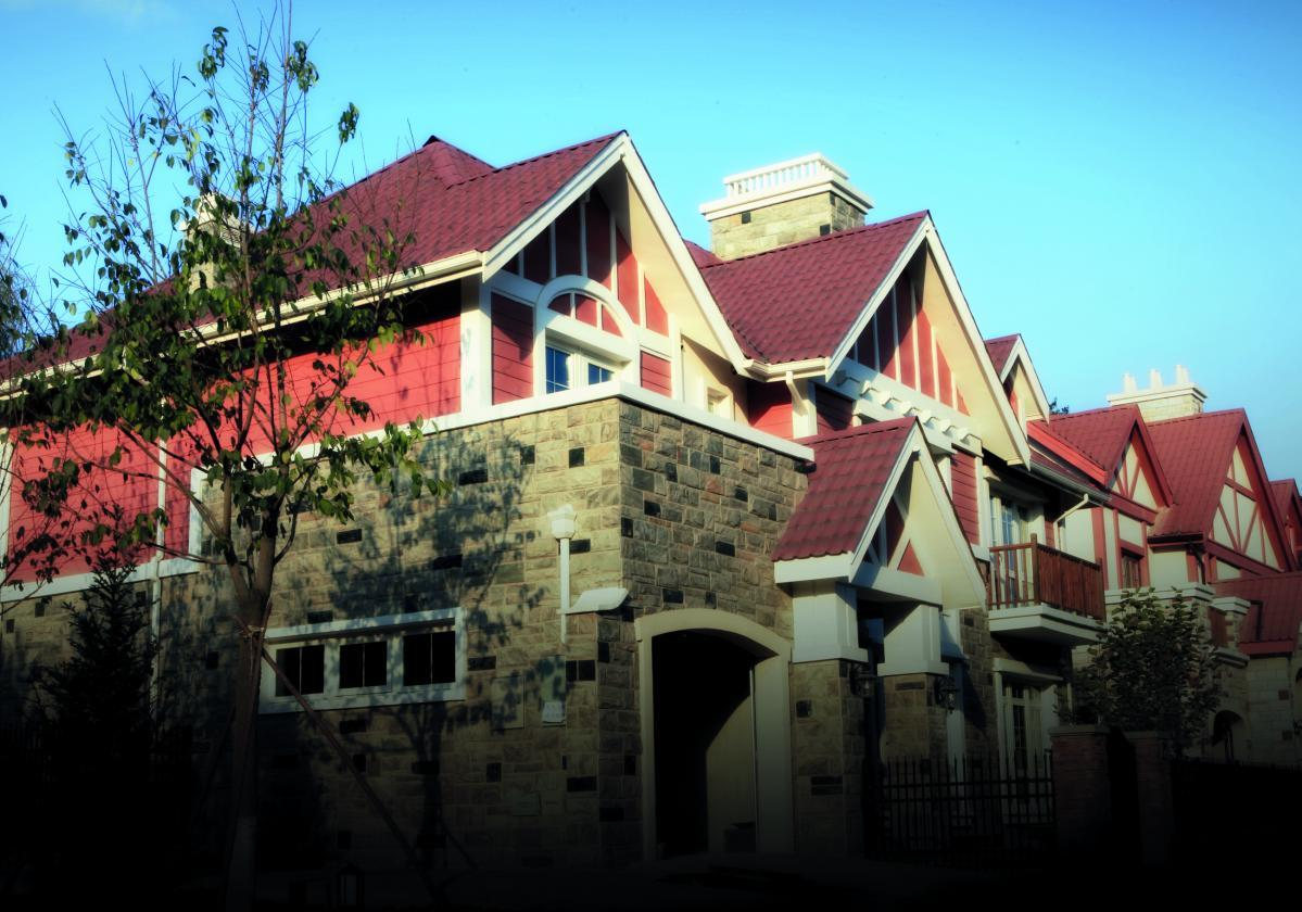 Casa residencial con ONDUVILLA® rojo