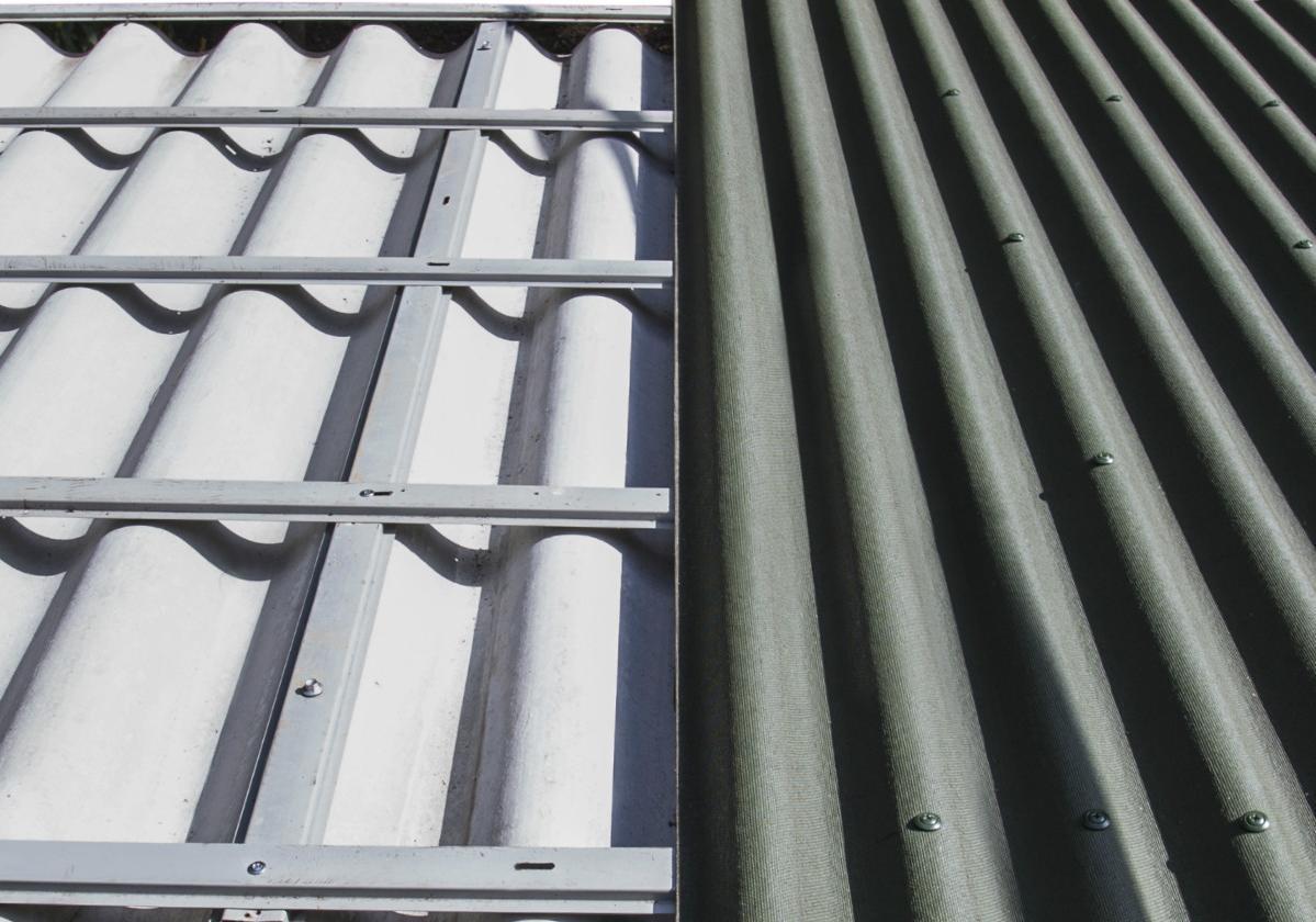 Cobertizo con sistema de sobrecubierta de láminas impermeables Onduline®