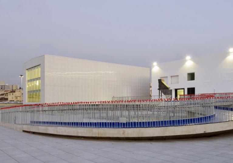 Onduclair PC. Iluminación natural para techado. Cubierta de policarbonato ideal para proyectos comerciales y residenciales que d